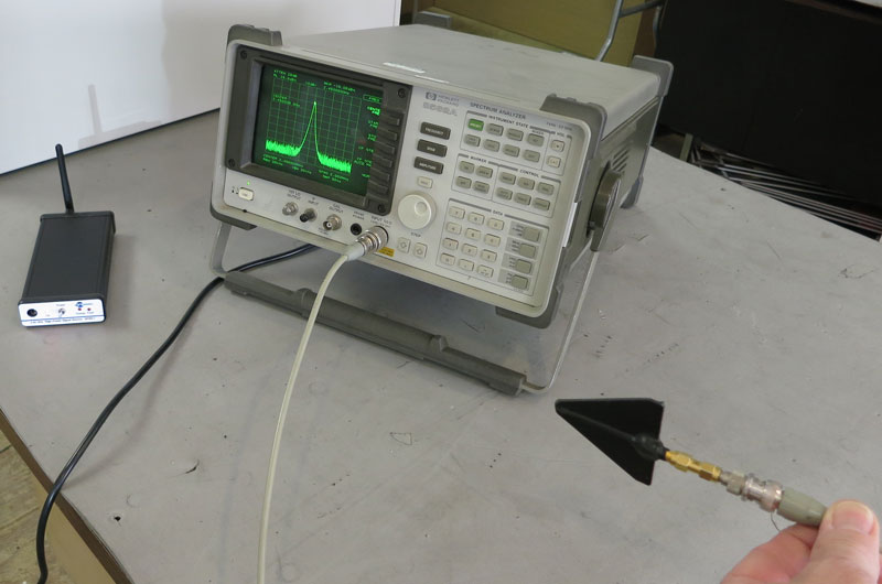 JRE HPSS-1 and Spectrum Analyzer Demonstration Image at a distance